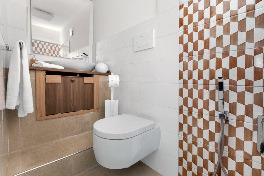 Bathroom Ensuite Guest Room